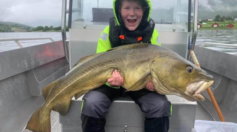 10 årig fanger torsk på 25,5 kg!