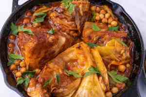 Spicy Tomato Braised Cabbage with Chickpeas