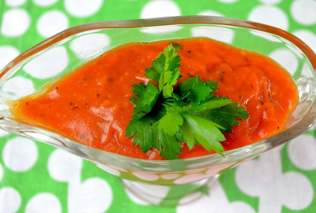Błyskawiczny sos pomidorowy + film