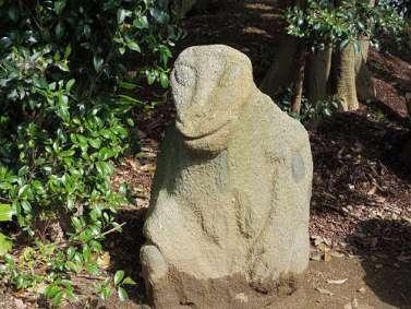 飛鳥の石造物「猿石」-11
