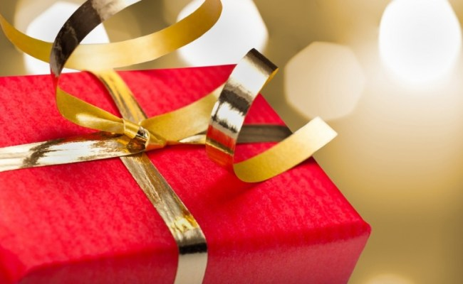 When To Give Business Gifts And Who To Give Them To