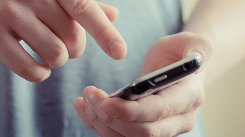 Mobile Retail Searches Now Account for 56 Percent of Top Retail Searches , Report Says