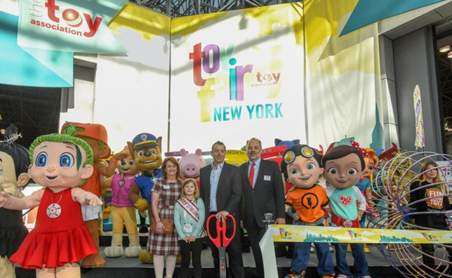 Small Toy Companies Thrive While Toys R Us Announces Store