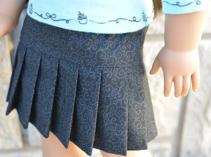 Sewing: Pleated Skirt