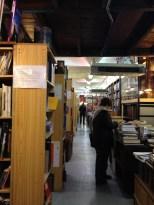 entrée Librairie de l'Avenue Les Puces (c) éa marzarte