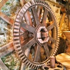 meule du moulin de Keriolet (c) ea marzarte Small & beautiful