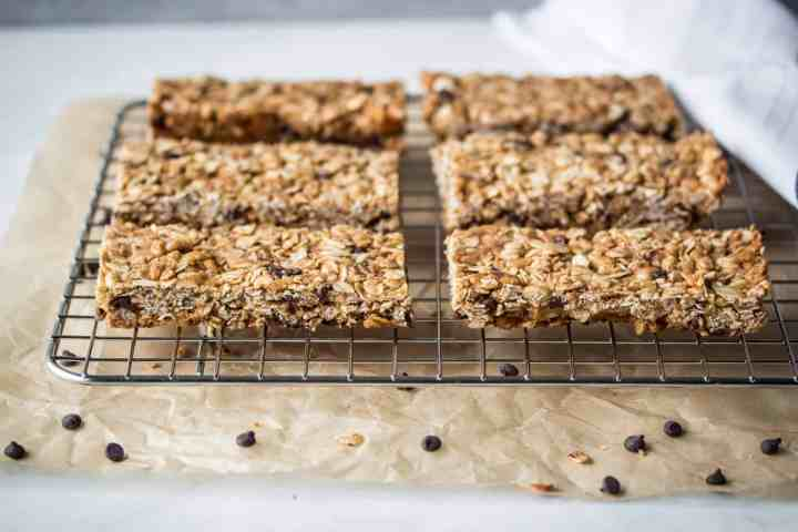 cooling rack with gluten free chocolate chip oat granola bars