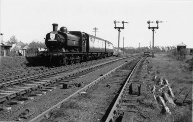 1st Herts Railtour 24 approaching Abbey Stn