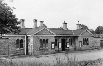 Abbey Stn 18 Forecourt 1953