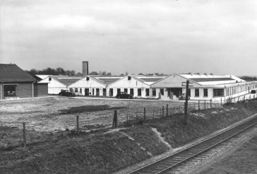 Hill End Yard 11 with new Marconi factory 1948