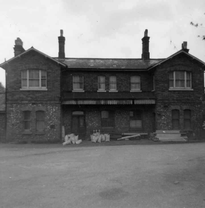St Albans London Rd 11 Forecourt 1968