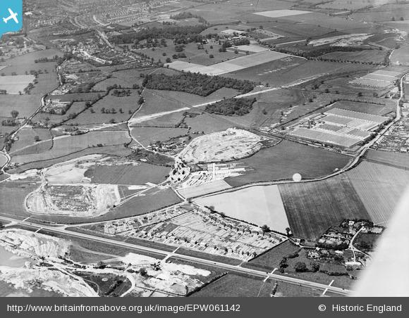 EPW061142 - Gravel pits near Smallford Lane, Sleapshyde, 1939