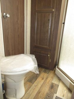 Interior-BathToilet