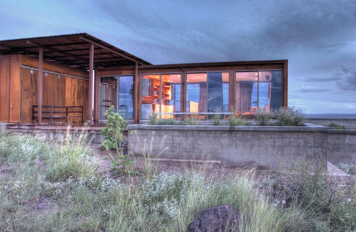 The Marfa WeeHouse A Compact Desert Retreat Alchemy