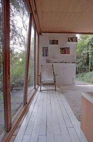 "This modern ""hermit's cabin"" in Chile has a 215 sq ft studio floor plan. 