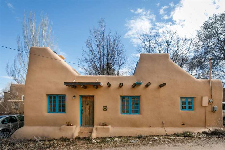 Homes Santa Fe Small Pueblo House