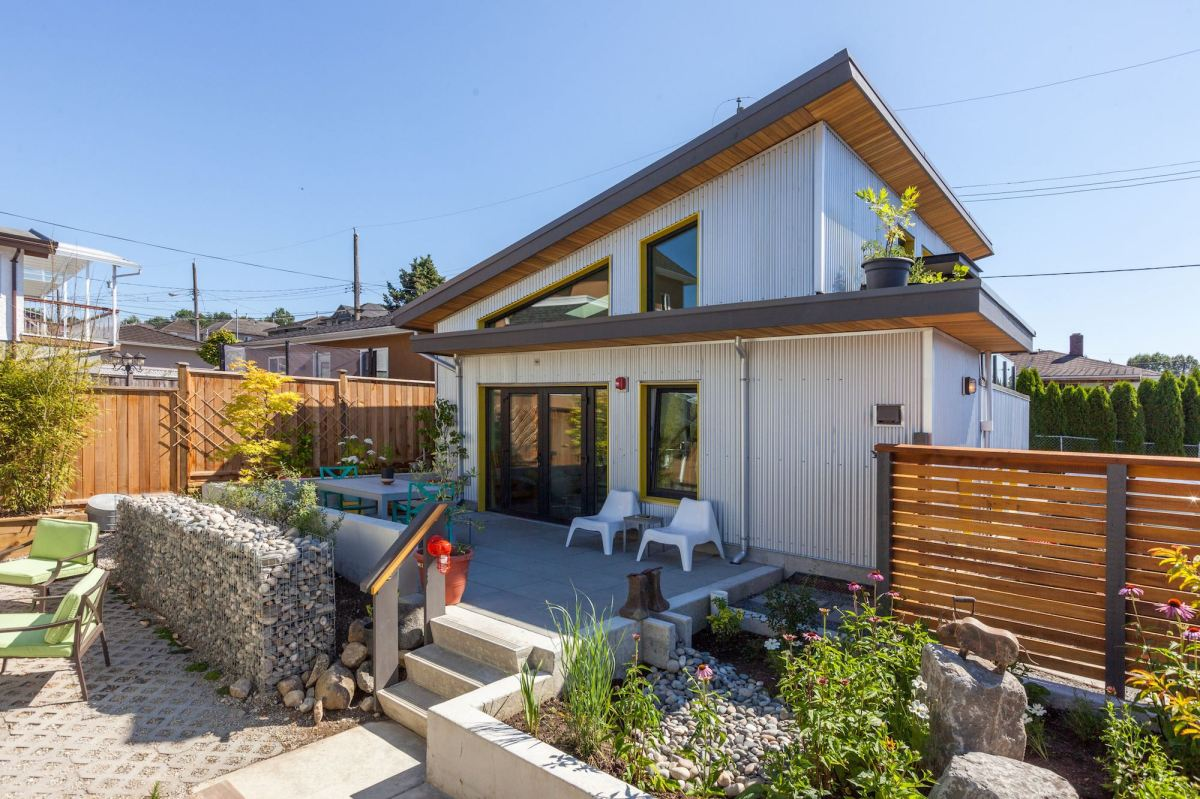 A Livework Laneway House For A Graphic Artist Lanefab