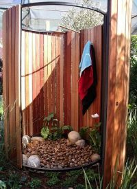 18 Tropical and Natural Outdoor Shower Ideas
