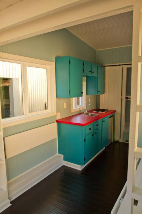 20140203mo-tennesee-tiny-homes-happy-the-wedgie-interior-image-10