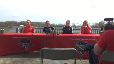 Joanna Lohman, assistant coach Denise Reddy, DiDi Haracic, and Kristie Mewis