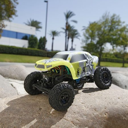 ECX Has a Tiny Temper, But It's No Problem: 1/24 Scale Rock Crawler