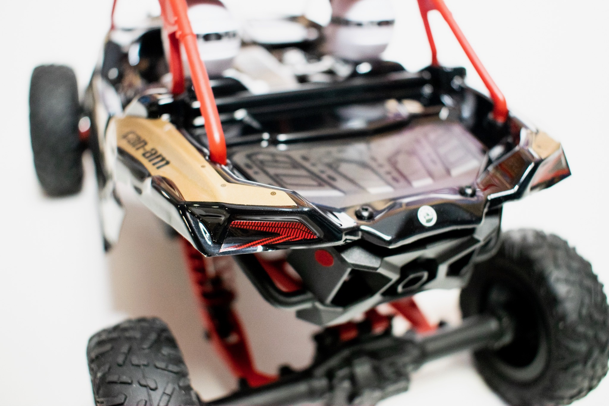 Axial Yeti Jr. Can-Am Maverick X3 - Rear Detail