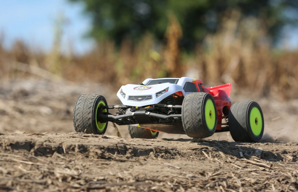 See it in Action: Losi Mini-T 2.0 1/18-scale Stadium Truck