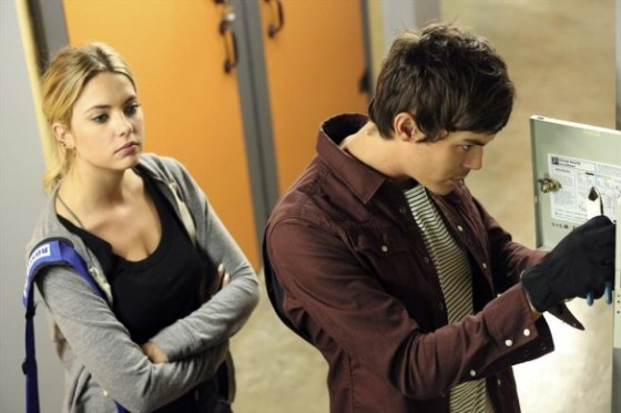 hanna and caleb, pretty little liars review, pretty little liars bin of sin, pretty little liars the bin of sin, pretty little liars season 5