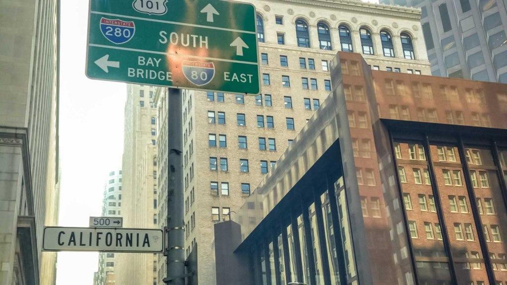 Strade e grattacieli al financial district