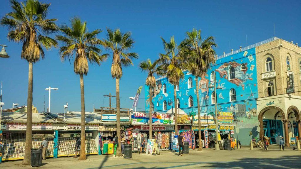 Bancarelle e negozi a Venice Beach
