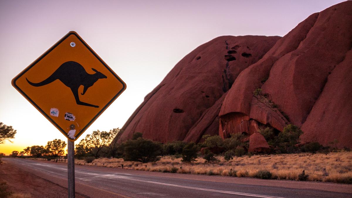 uluru-australia-road-sunset