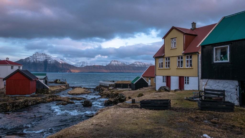 Uno scorcio del paese di Gjógv isole Faroe