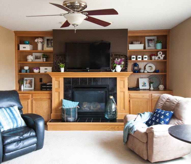 decorating-shelves-around-the-fireplace-for-spring