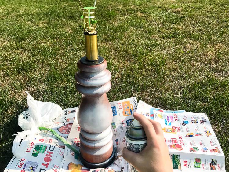 spray-painting-lamp-makeover