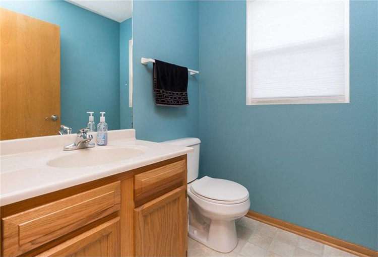blue-bathroom-before-picture