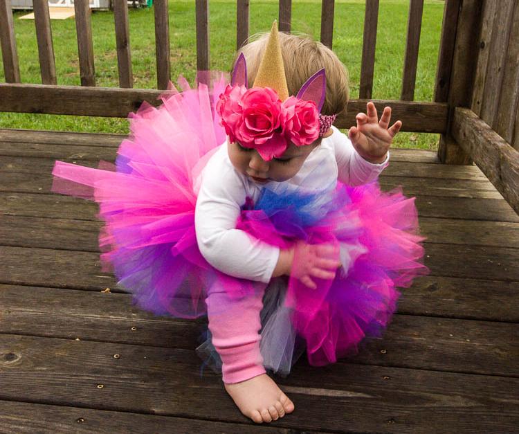 little-girl-wearing-diy-unicorn-costume