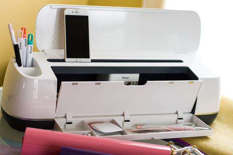 cricut-maker-with-storage-compartment-open