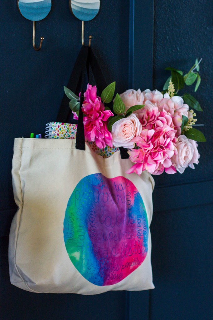 colorful-tote-with-flowers