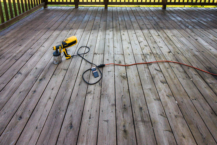 deck-being-stained