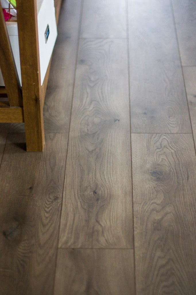 select-surfaces-warm-gray-laminate