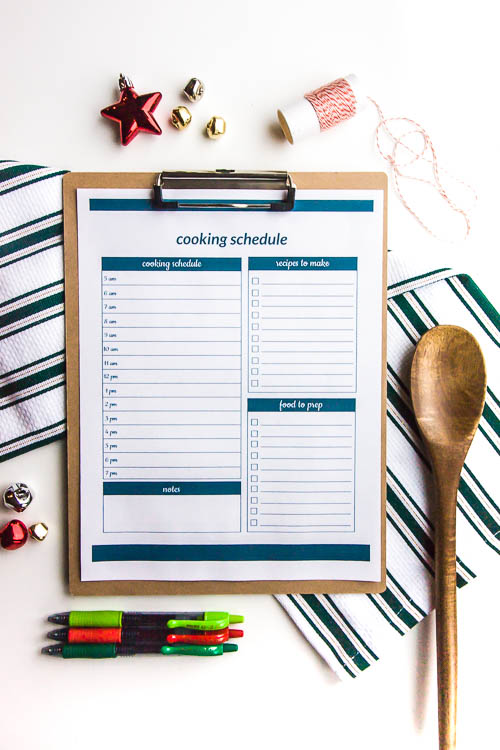 christmas-cooking-schedule-on-clipboard