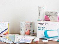 What is the Cricut Joy and what materials does it cut?
