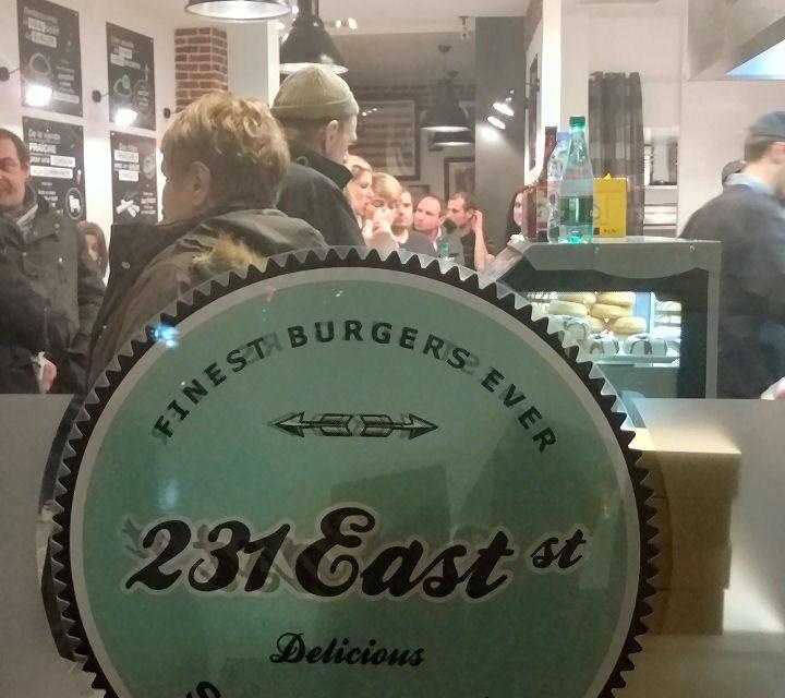 231 East Street : Et si Saint Lazare oubliait un peu Burger King ?