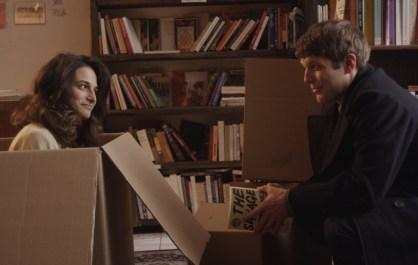 Donna en carton et Max, dans Obvious Child