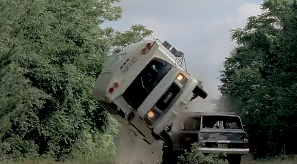 The-Walking-Dead-season-5-episode-5-Bus-Flip