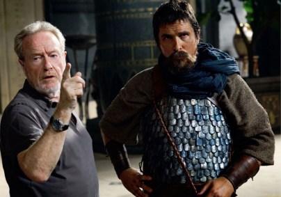 Ridley Scott sur le tournage de son nouveau film Exodus, aux côtés de Christian Bale @ScottFree