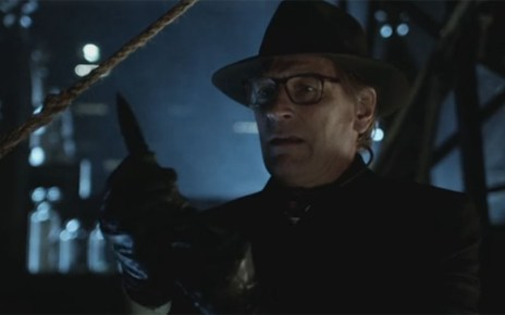 gotham - Gotham 1x15 : The Scarecrow julian sands gotham