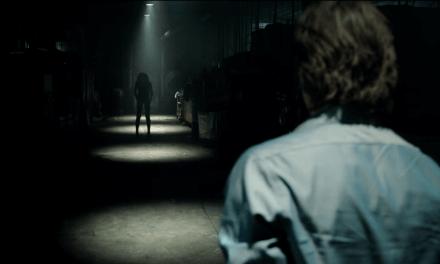 Dans Le Noir (Lights Out), un bonus offert par le réalisateur du film
