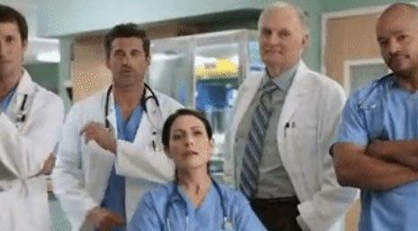 Alan Alda - Un crossover Scrubs-House-Grey's Anatomy-Urgences-M*A*S*H !