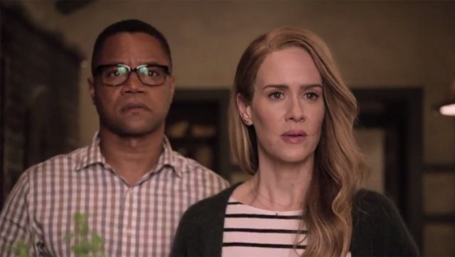 sarah_paulson_and_cuba_gooding_jr-_roanoke
